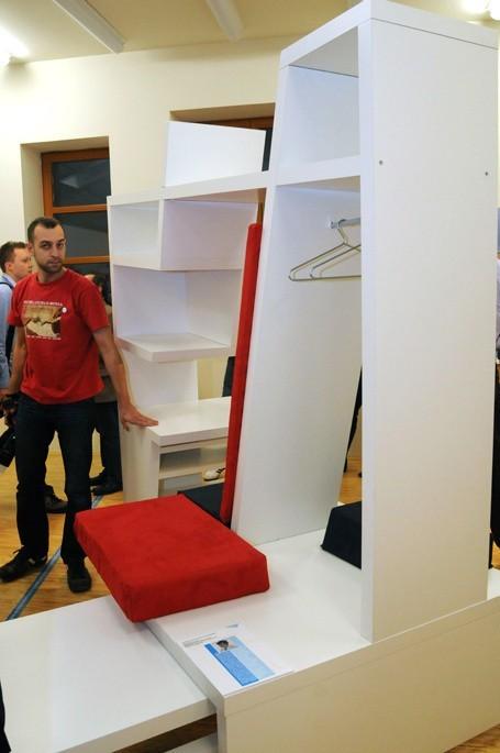 """""""Wzornictwo i przemysł"""" - wystawę można podziwiać w Domku Ogrodnika w parku Źródliska."""