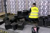 Przemyt na przejściu granicznym w Kuźnicy. Podlaska KAS przejęła 185 tysięcy paczek papierosów (zdjęcia)