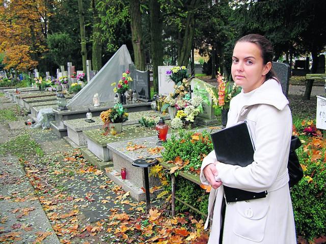 Joanna Kozanowska ma wielu stałych klientów, którzy powierzyli jej firmie dbałość o nagrobki, nie tylko na nekropoliach w Łodzi, ale również w Pabianicach i Zgierzu.