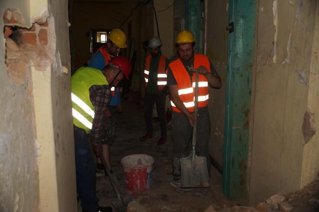 Robotnicy wrócili na plac budowy remontowanego Pałacu Dietrichsteinów