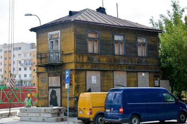 Dziś dom straszy raczej swoim wyglądem. Gdyby jednak przeprowadzono remont, budynek mógłby się stać jedną z perełek drewnianej architektury.  Ciekawa jest chociażby sama bryła obiektu. Domów z takimi narożnikami nie jest w mieście zbyt wiele.