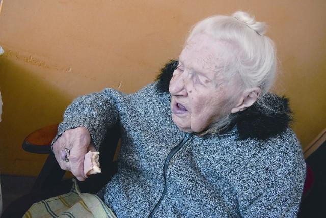 Ewa Markiewicz mimo swoich 103 lat jest w niezłej formie. - Jak się pani czuje? - pytamy. I słyszymy w odpowiedzi: - Dobrze.