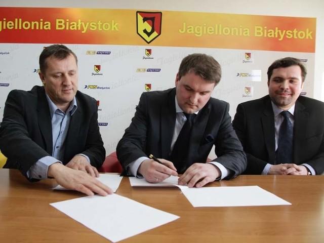 Podpisanie porozumienia między PKS Białystok a Jagiellonią