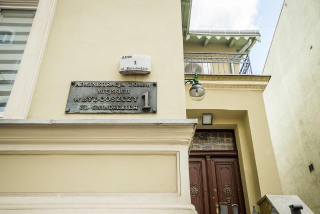 Rada Nadzorcza ADM bez konkursu wybrała na fotel wiceprezesa Sylwię Chmarę, zonę byłego zastępcy prezydenta Rafała Bruskiego.