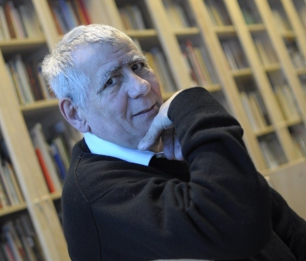 Carlos Marrodán Casas.