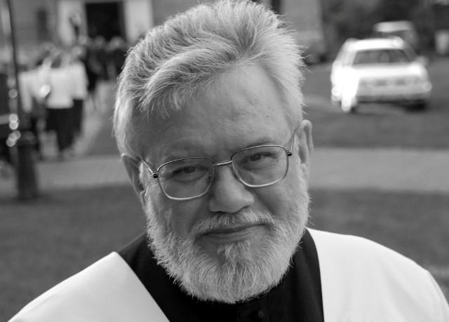 Zmarł ksiądz kanonik Marian Darowski, proboszcz parafii św. Franciszka z Asyżu w Wielogórze. Pochodził ze Staszowa, święcenia kapłańskie przyjął w Sandomierzu.