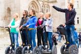 Pomoc z ZUS dla prowadzących sklepiki szkolne oraz pilotów wycieczek i przewodników turystycznych