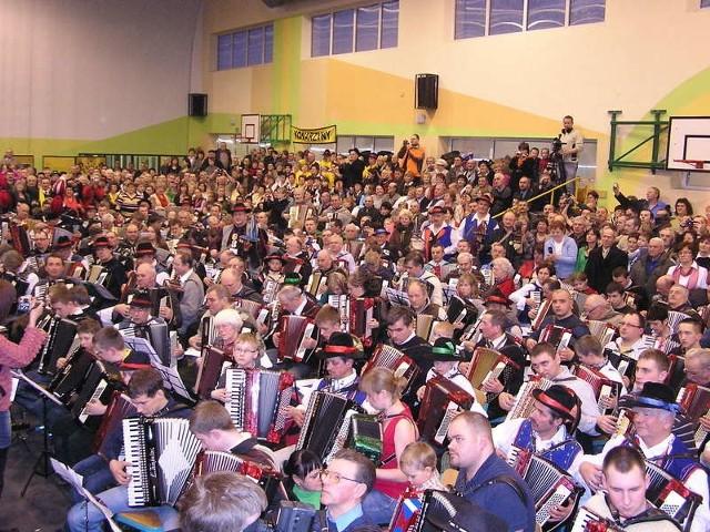 Głównym punktem Dnia Jedności Kaszubów będzie bicie rekordu w jednoczesnej grze na akordeonie.
