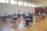 Egzamin ósmoklasisty 2021 - język angielski CKE. Tutaj znajdziesz odpowiedzi i arkusze egzaminacyjne