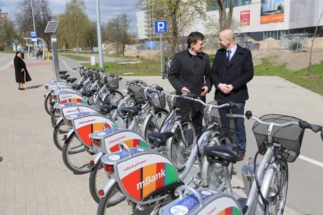 Robert Jóźwiak i Robert Wardziński (z prawej), burmistrz Choroszczy właśnie się dogadali