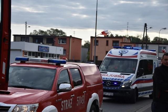Samochód wjechał w przedszkole w Nowym Tomyślu. Jedna osoba została przewieziona do szpitala.