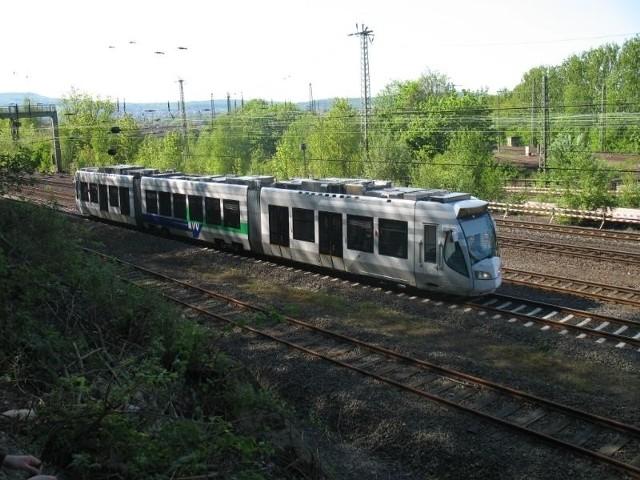 Tramwaj dwusystemowy jest dobrze znany mieszkańcom Kassel w Niemczech