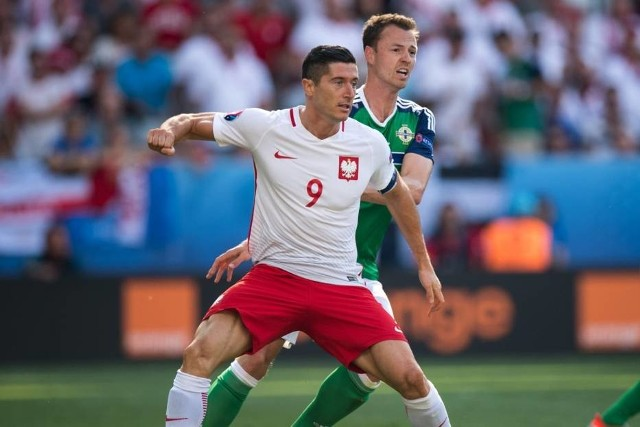 Robert Lewandowski i jego koledzy z kadry sprawdzą swoją formę przed mundialem w towarzyskim spotkaniu z Chile w piątek o godz. 20.45 na stadionie przy Bułgarskiej w Poznaniu.
