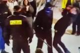 """Policja o incydencie na Krupówkach w Zakopanem: """"Ruch był gwałtowny, ale nie był to atak na przechodnia"""""""