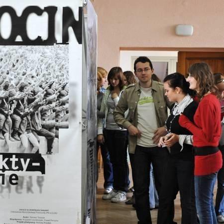 Wśród pierwszych zwiedzających byli Paweł Szulc, Daria Korucka i Joanna Walentynowicz. - Bardzo ciekawa ekspozycja - mówili.