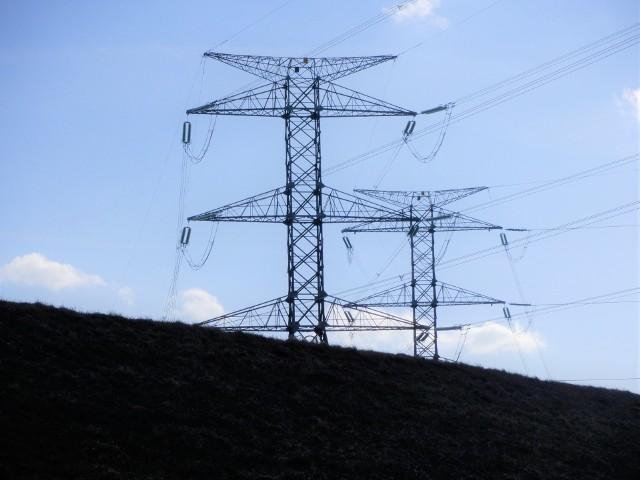 Prezes URE ustalił, że Polski Prąd i Gaz wprowadzał odbiorców energii elektrycznej w gospodarstwach domowych w błąd, m.in. co do rzeczywistego celu wizyty przedstawiciela handlowego u odbiorcy, nazwy sprzedawcy, czy warunków dostarczania im energii