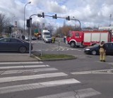 Wypadek koło Tesco w Zielonej Górze. Toyota zderzyła się z audi