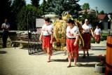 Msza dożynkowa w skalbmierskiej kolegiacie. Za plony dziękowali, rolnicy, koła gospodyń wiejskiej, przedstawiciele władz [ZDJĘCIA]