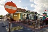 McDonald's bez dachu. To jednak nie rozbiórka, ale remont lokalu [ZDJĘCIA]