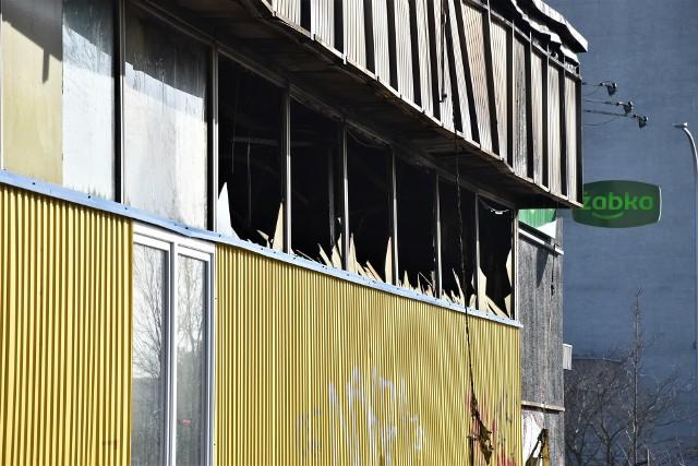 Pożar Żabki w Opolu. Złodzieje włamali się do sklepu. Policjanci złapali ich na gorącym uczynku!