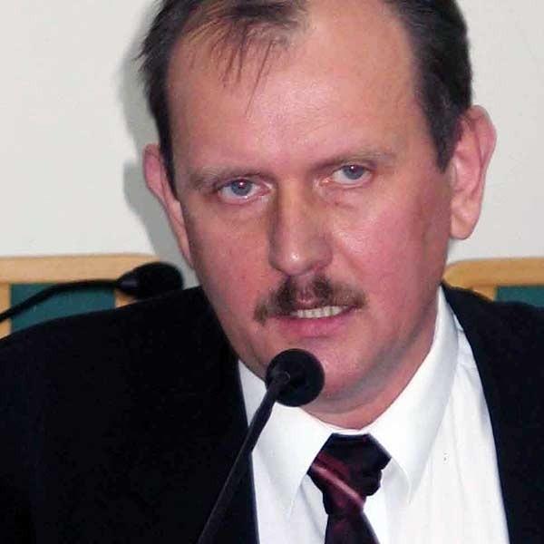 Radny Fryderyk Kapinos z PiS nie waha się na sesji mówić głośno o nieporozumieniach w Radzie Powiatu.