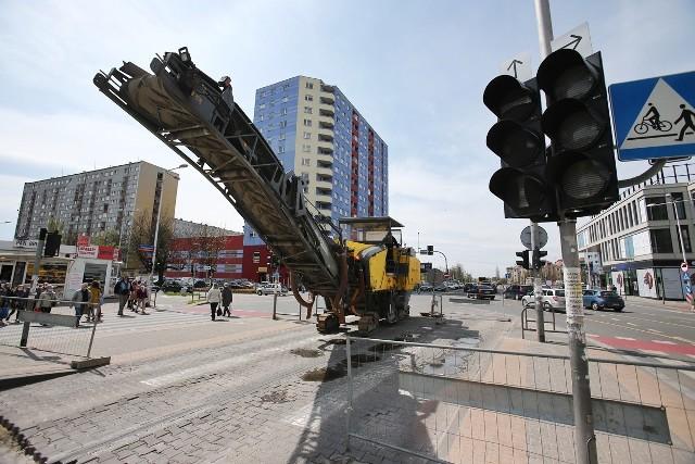 Skrzyżowanie Gubińskiej i Strzegomskiej to teraz plac budowy.
