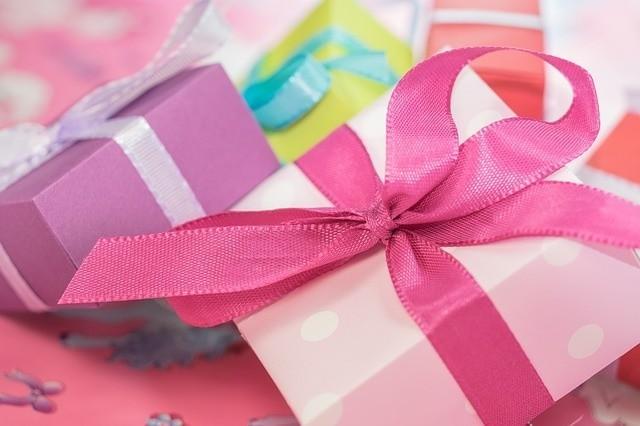 Jakie prezenty na Dzień Matki i za ile kupujemy? Sprawdź analizę ekspertów!