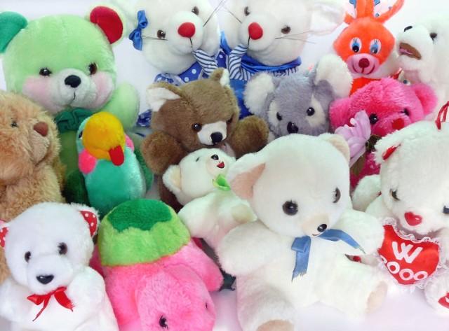 Zbieramy nowe zabawki, słodycze, książki, przybory szkolne.