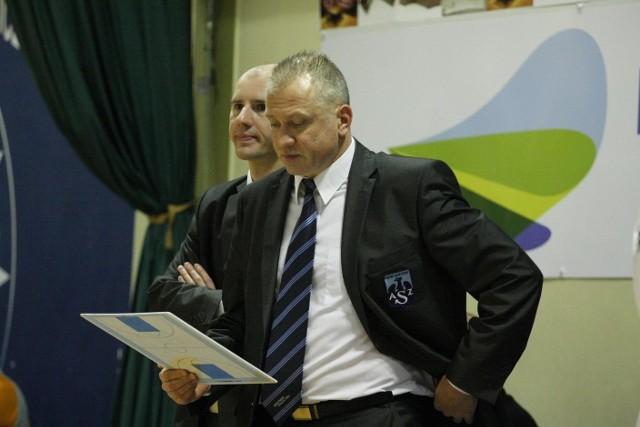 Trener akademiczek Dariusz Maciejewski nie ma w tym sezonie lekko, ale nie traci nadziei na dobry wynik
