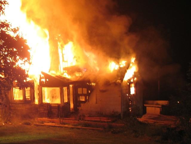 Pożar domuGrzej z głową, żebyś nie spłonął