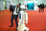 Czy powinniśmy bać się robotów? Elon Musk kontra Kazuo Ishiguro