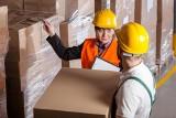 Normy dźwigania w pracy 2020. Ile kg może dźwigać pracownik normy dźwigania i przenoszenia ładunków dla kobiet i mężczyzn