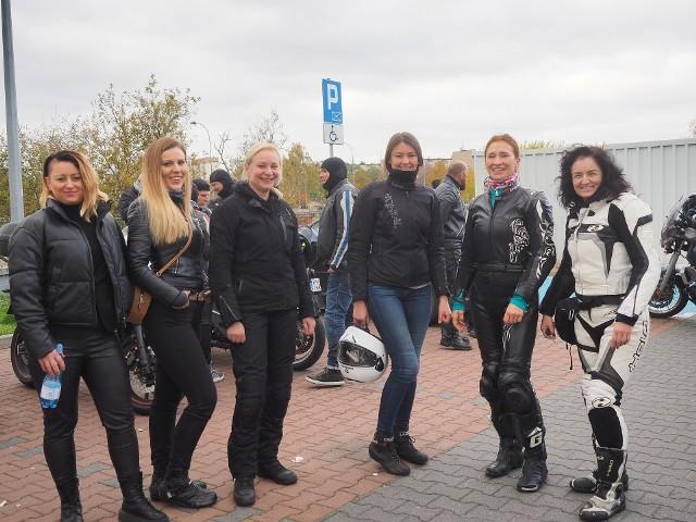Czarny motospacer w Białymstoku. MotoLadies Team tak wspiera ogólnopolski strajk kobiet