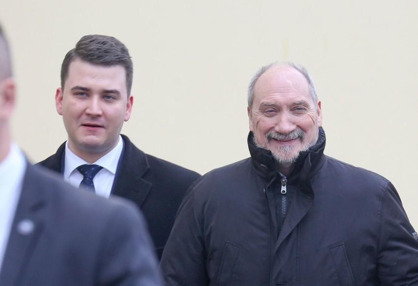 Bartłomiej Misiewicz w Białymstoku. Szef MON Antoni Macierewicz będzie świadkiem?