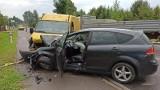 Groźny wypadek na skrzyżowaniu w Sielcu. Kobieta w poważnym stanie