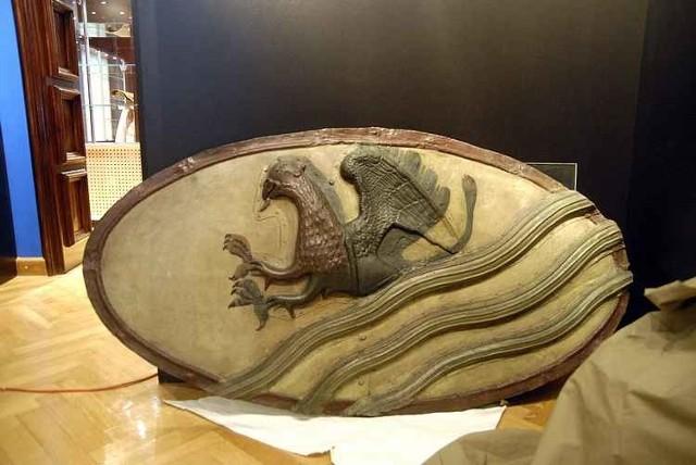 Kilkaset eksponatów, które powstaly w Slupsku, bądL kojarzą sie ze Slupskiem, zobaczyc bedzie mozna jeszcze w grudniu w Muzeum Pomorza Środkowego. To pierwsza taka wystawa w powojennej historii miasta.