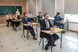 Duże zmiany w maturze 2021 r. już pewne! Minister edukacji podpisał rozporządzenie o zmianach w egzaminach ósmoklasisty i maturach