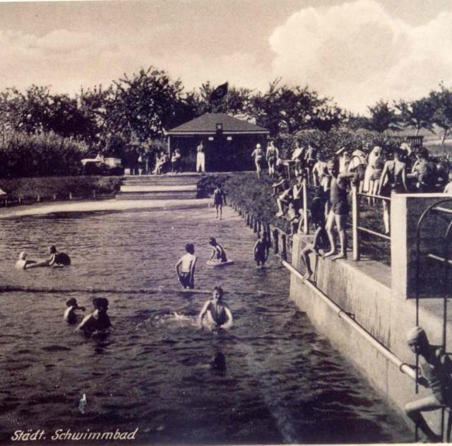 Przed wojną odkryty basen miejski przy drodze do Sobina odwiedzały tłumy polkowiczan. Była tam nawet trampolina