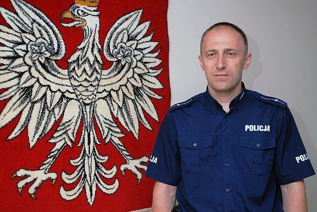 Aby zagłosować na mł. asp. Krzysztofa Konieczko wyślij SMS o treści POLICJANT.10 na numer 7155 (koszt 1.23 zł z VAT)