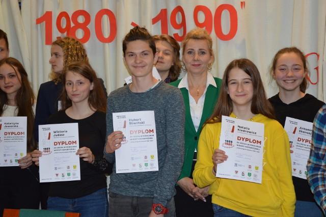 """""""Polska droga do wolności 1980 - 1990"""" - taki był temat konkursu historycznego, w którym udział wzięli uczniowie wszystkich powiatowych gmin."""