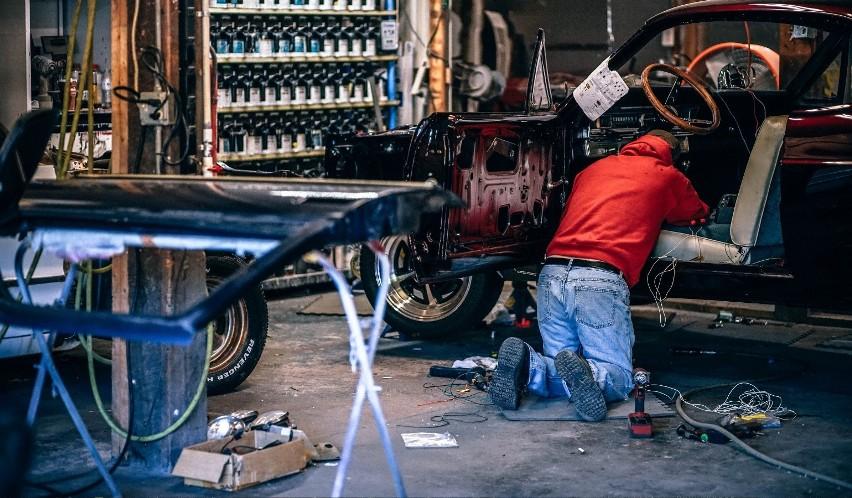 Część mechaników próbuje naciągnąć swoich klientów na...