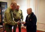 Uratował go funkcjonariusz SG Władysławowo, więc przyszedł mu podziękować [ZDJĘCIA]
