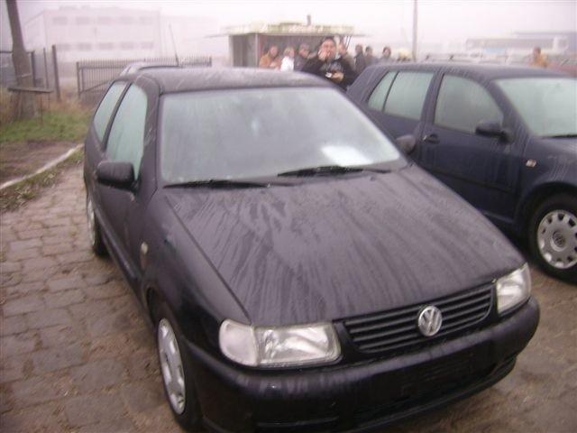 VW Polo, 1999 r., klimatyzacja, wspomaganie kierownicy, elektryczne szyby, ABS, wspomaganie kierownicy, 8 tys. 800 zl + koszt rejestracji
