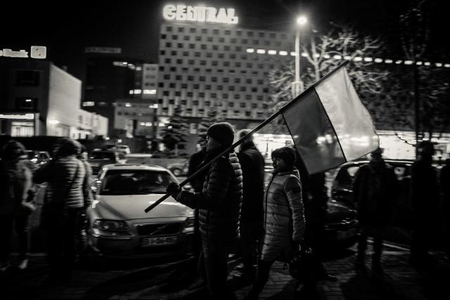 Kolejna fala protestów przeciw upolitycznianiu sądów. Na zgromadzeniu w Białymstoku pojawił się Jacek Żakowski.
