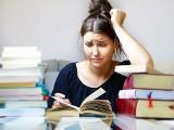 Matura 2021. Stres przed egzaminem? Psycholog Kamil Zieliński podpowiada jak oswoić stres. Pierwszy egzamin maturalny już 4 maja