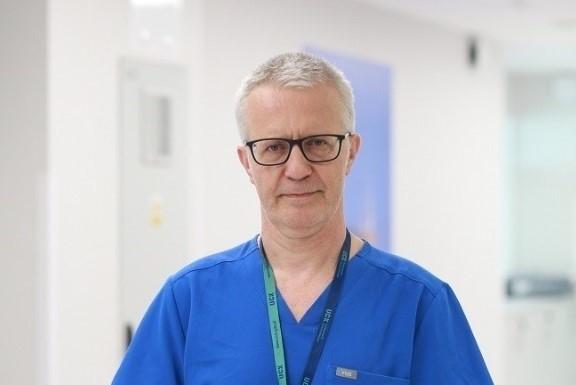 Dr hab. Jacek Wojarski z Kliniki Kardiochirurgii i Chirurgii Naczyniowej Uniwersyteckiego Centrum Klinicznego w Gdańsku.