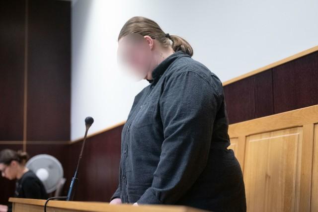 Motornicza przyznała się do winy, lecz nie chciała składać wyjaśnień. Że łzami w oczach podtrzymała za to swoje wcześniejsze wyjaśnienia w prokuraturze.