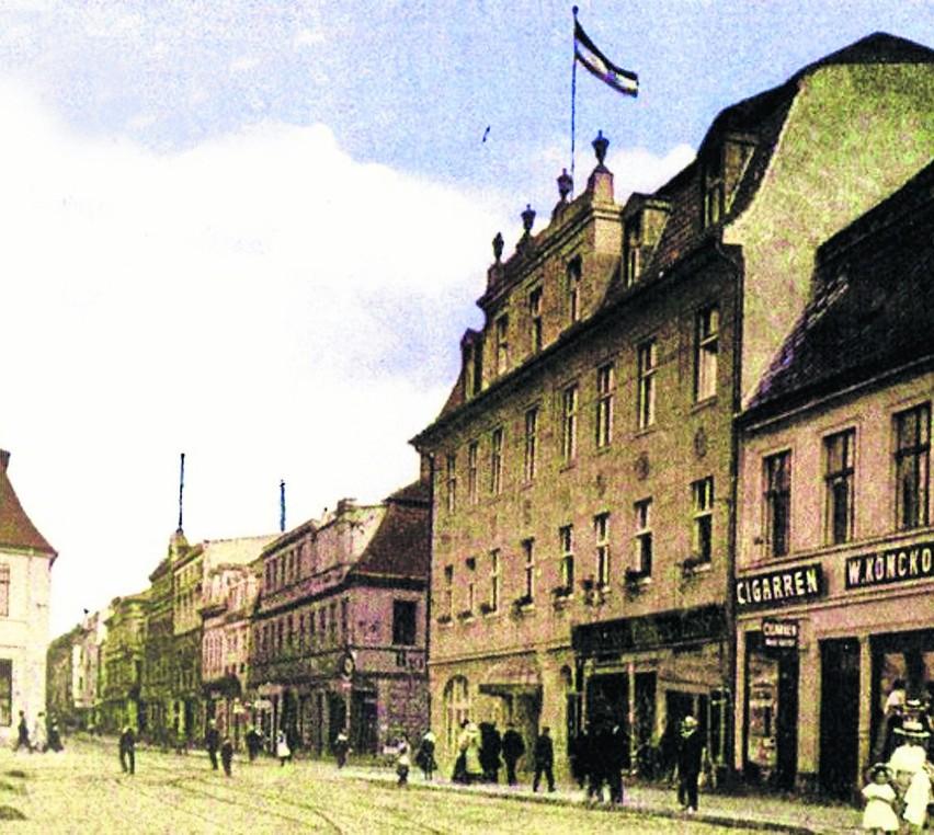 """W latach 20. i 30. XX wieku Hotel """"Kronprinz"""" w Koszalinie..."""