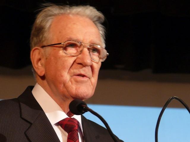 Doktor ekonomii Janusz Pikulski, profesor Wyższej Szkoły Ekonomicznej w Stalowej Woli