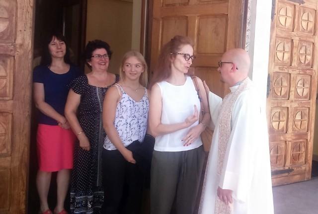 O. Grzegorz Kramer złożył uroczyście wyznanie wiary i został wprowadzony na urząd.